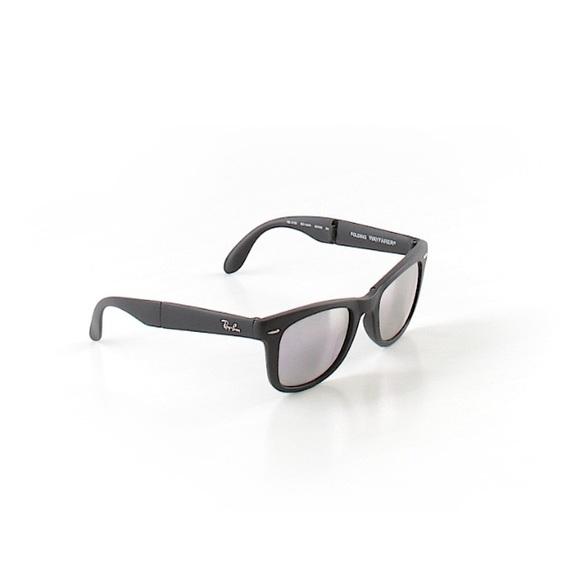 6e98d884672 Ray-Ban Wayfarer Folding Classic Sunglasses RB4105.  M 5b1c472f4ab633c04570dd99